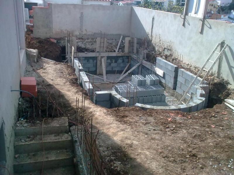 Piscinas de blocos mf piscinas constru o manuten o for Como construir una piscina de material